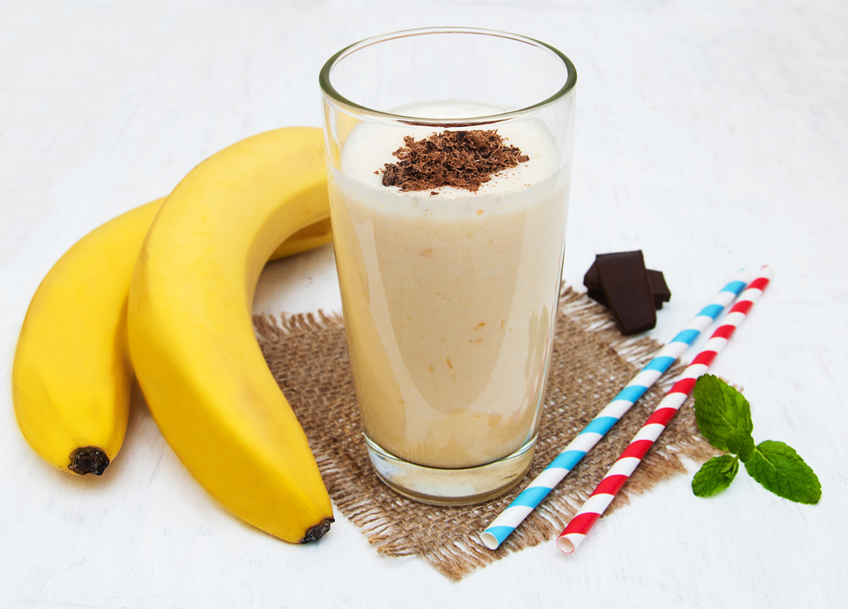Banana, dates, and carob smoothie
