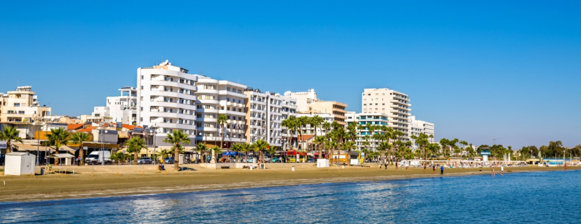 Finikoudes Beach, пляж «Финикудес» в Ларнаке