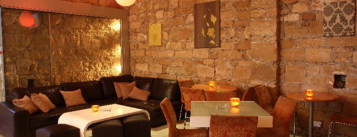 Stretto Café, ресторан и бар в историческом центре Лимассола