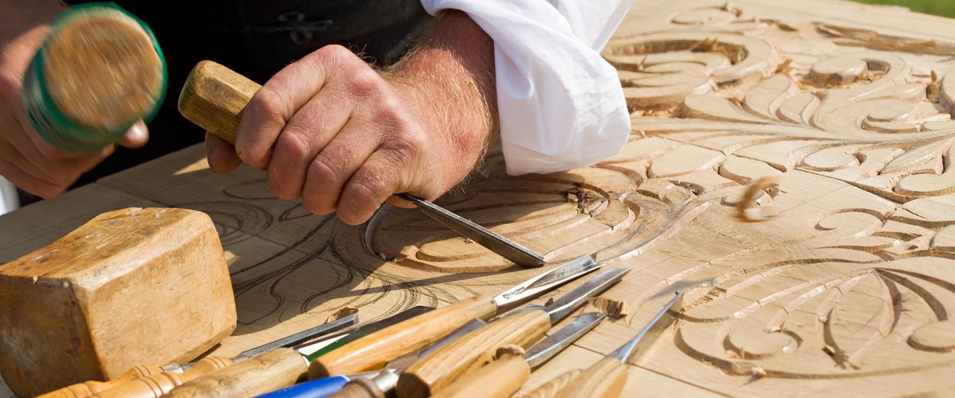 Резьба по дереву и изготовление традиционной мебели