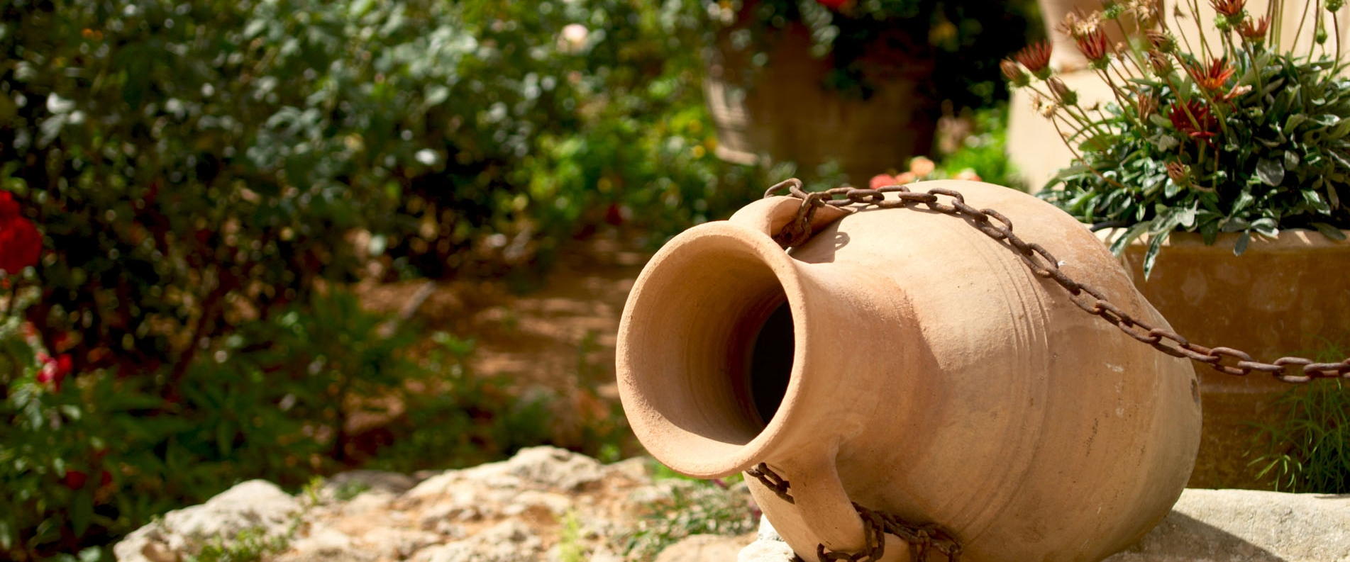 Folk art museums in Cyprus: how to understand Cypriots?