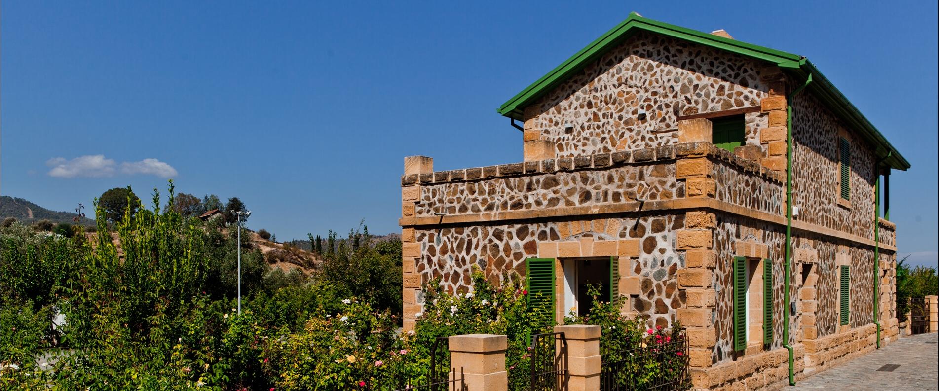 Несколько причин побывать в Эвриху: Музей железной дороги, предгорья Троодоса и сельская архитектура
